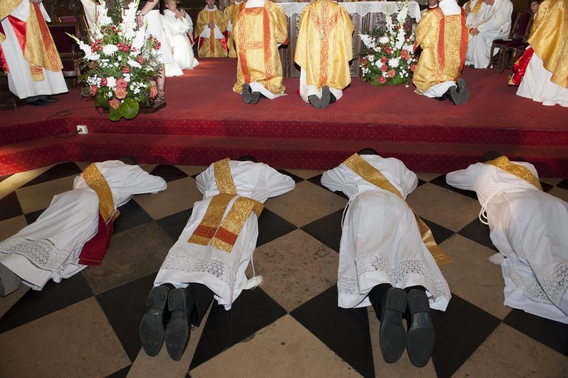 Ordination des quatre nouveaux prêtres du diocèse de Pontoise