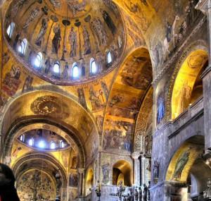 Coupoles de la nef de Saint-Marc à Venise