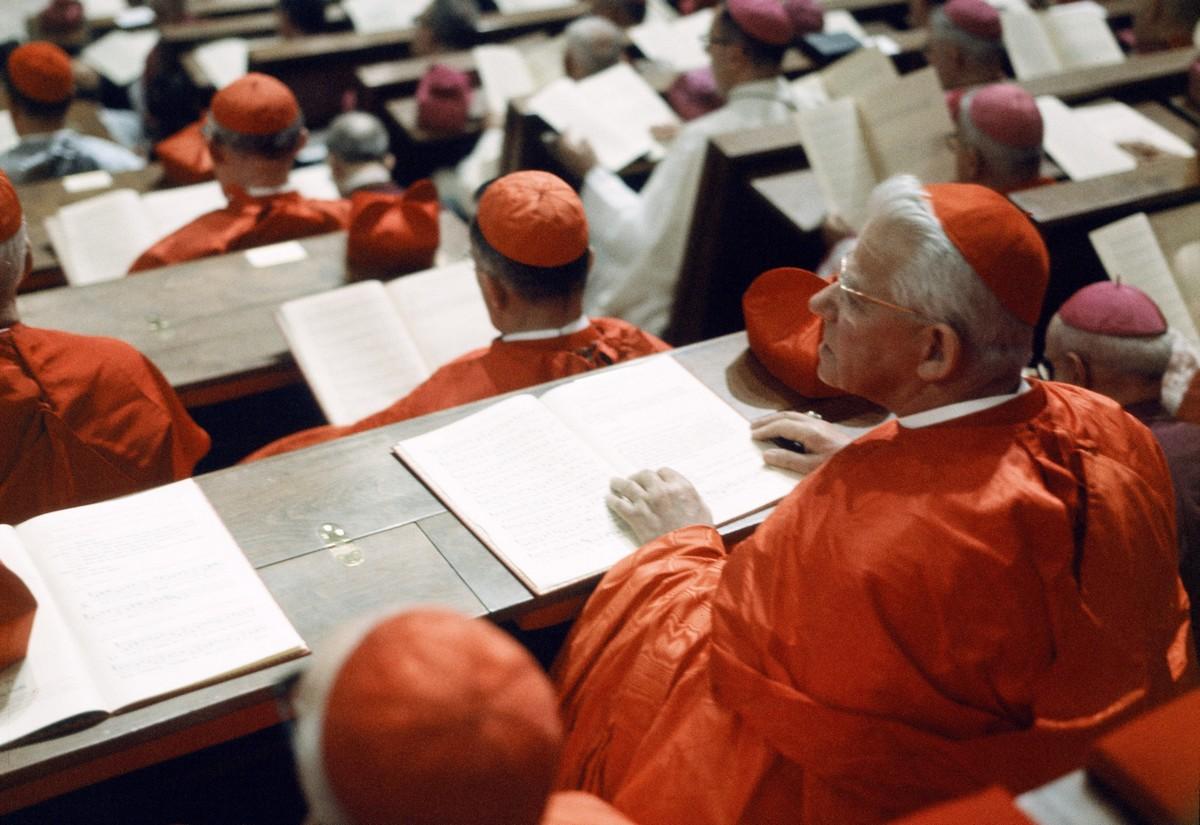 Cardinaux participant à une session du concile Vatican II
