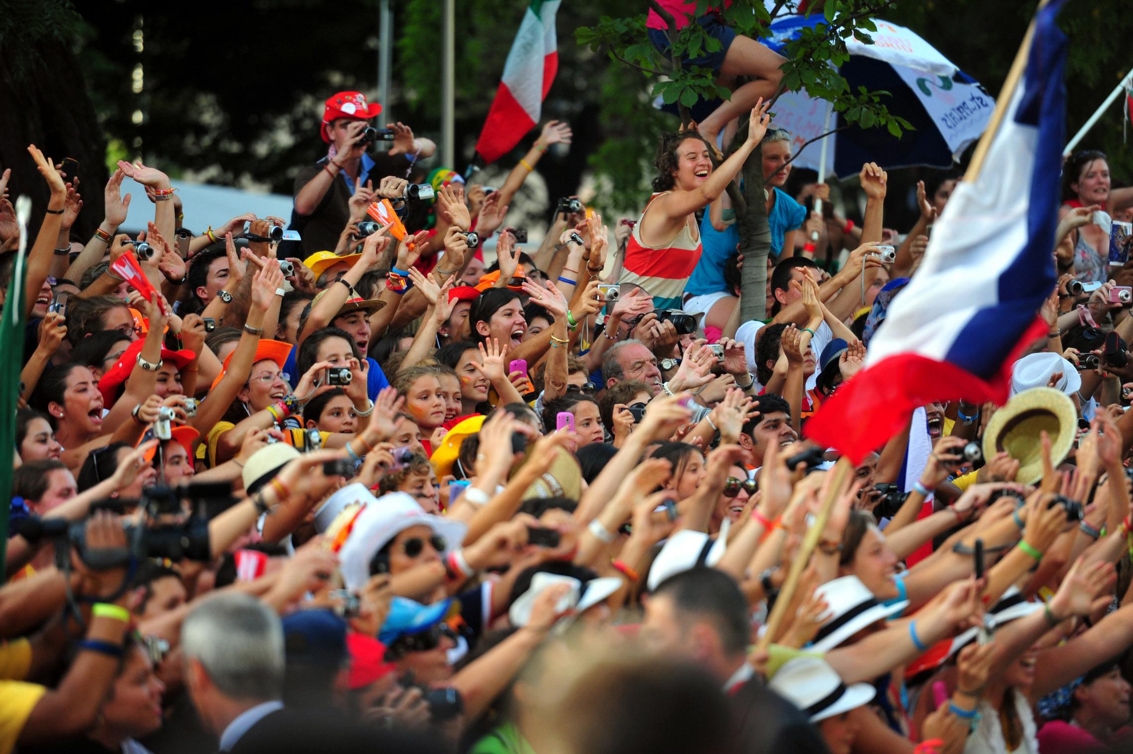 Foule lors de la Via Crucis organisée pendant les JMJ 2011, Madrid, Espagne.