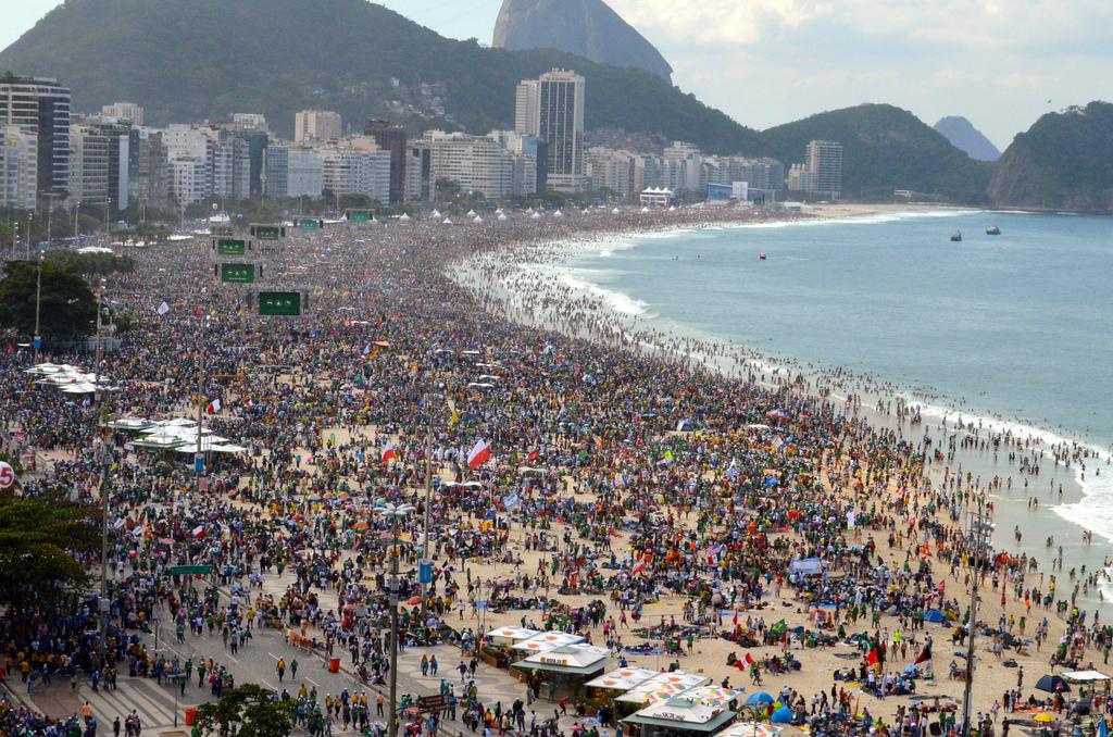 JMJ Rio 2013 messe d'envoi Copacabana