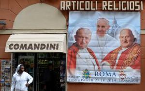 pape François - jean XXIII et jean-paul II - canonisation - 27 avril - rue rome - magasin