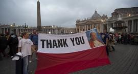 Sur la place Saint-Pierre à Rome avant la cérémonie de canonisation des papes. (c) Ciric/Alessia Giuliani