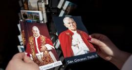 Souvenirs des papes à l'approche de la canonisation