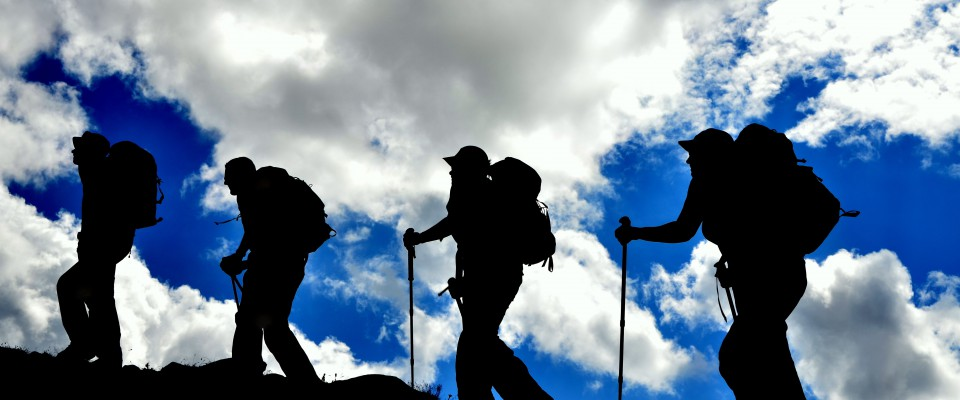 silhouettes en haute montagne
