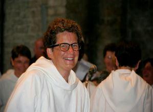 Sœur Marie Guillaumin lors de sa profession perpétuelle à St Guilhem le désert, le 30 août 2014