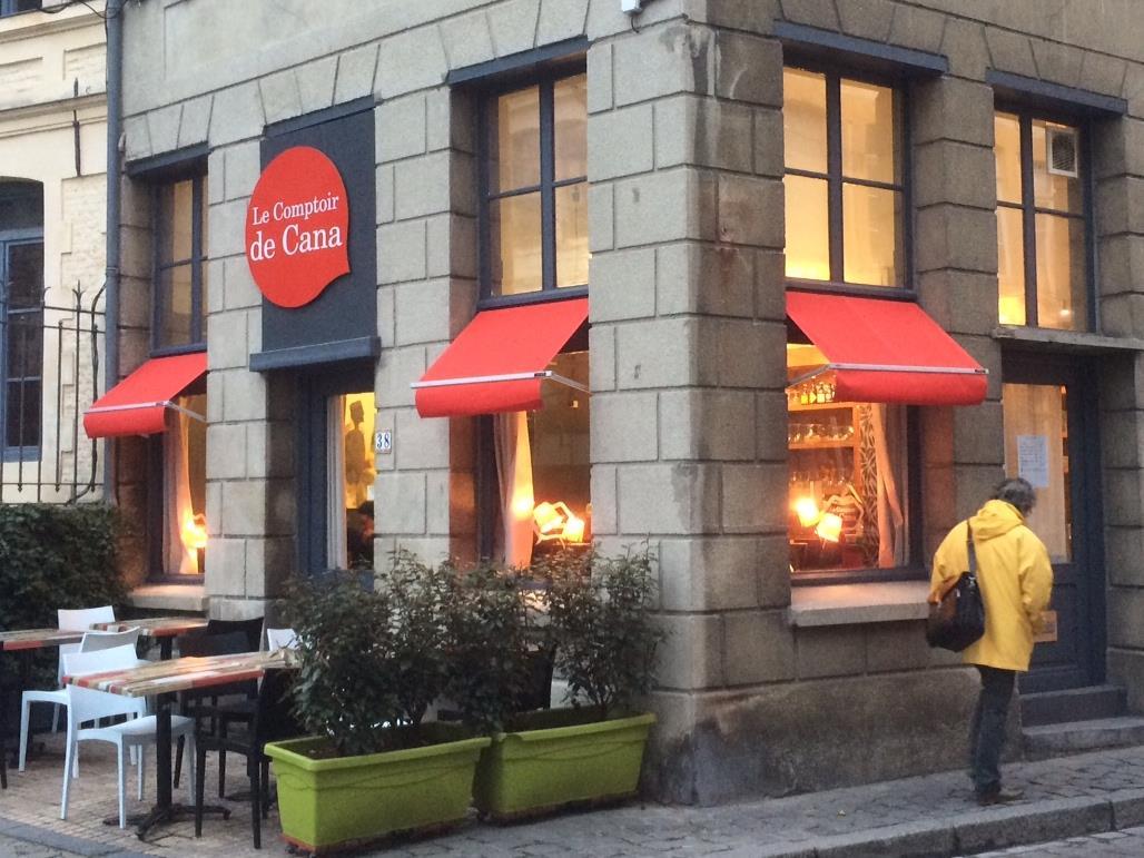 Le comptoir de cana le nouveau bar chr tien de lille jeunes cathos blog je - Le comptoir industriel lille ...