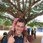 Jolie et Laurent à la paroisse de Calavi (Bénin) - Réseau Picpus