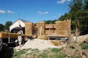 Les murs sont construits en paille porteuse !