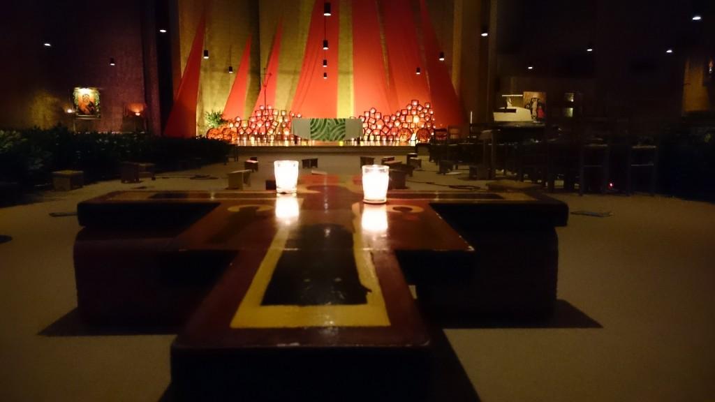 dans l'église de la réconciliation lors d'un vendredi soir