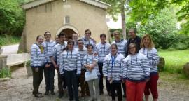 """""""Les lucioles joyeuses"""", lors de la journée de préparation diocésaine au sanctuaire ND de Fresneau en compagnie de notre évêque Mgr Pierre-Yves Michel."""