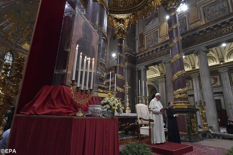 Le Pape François dans la Basilique Sainte-Marie-Majeure, Rome, 08.04.2017