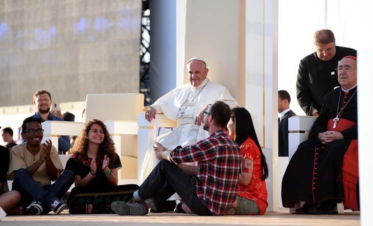Le Pape François avec des jeunes aux JMJ de Cracovie, juillet 2016